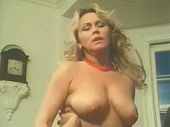 Retro lesbians with natural boobs & hairy cunts