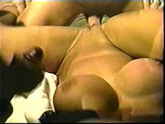 Vintage Big Tits Holly Body Gets Gangbanged
